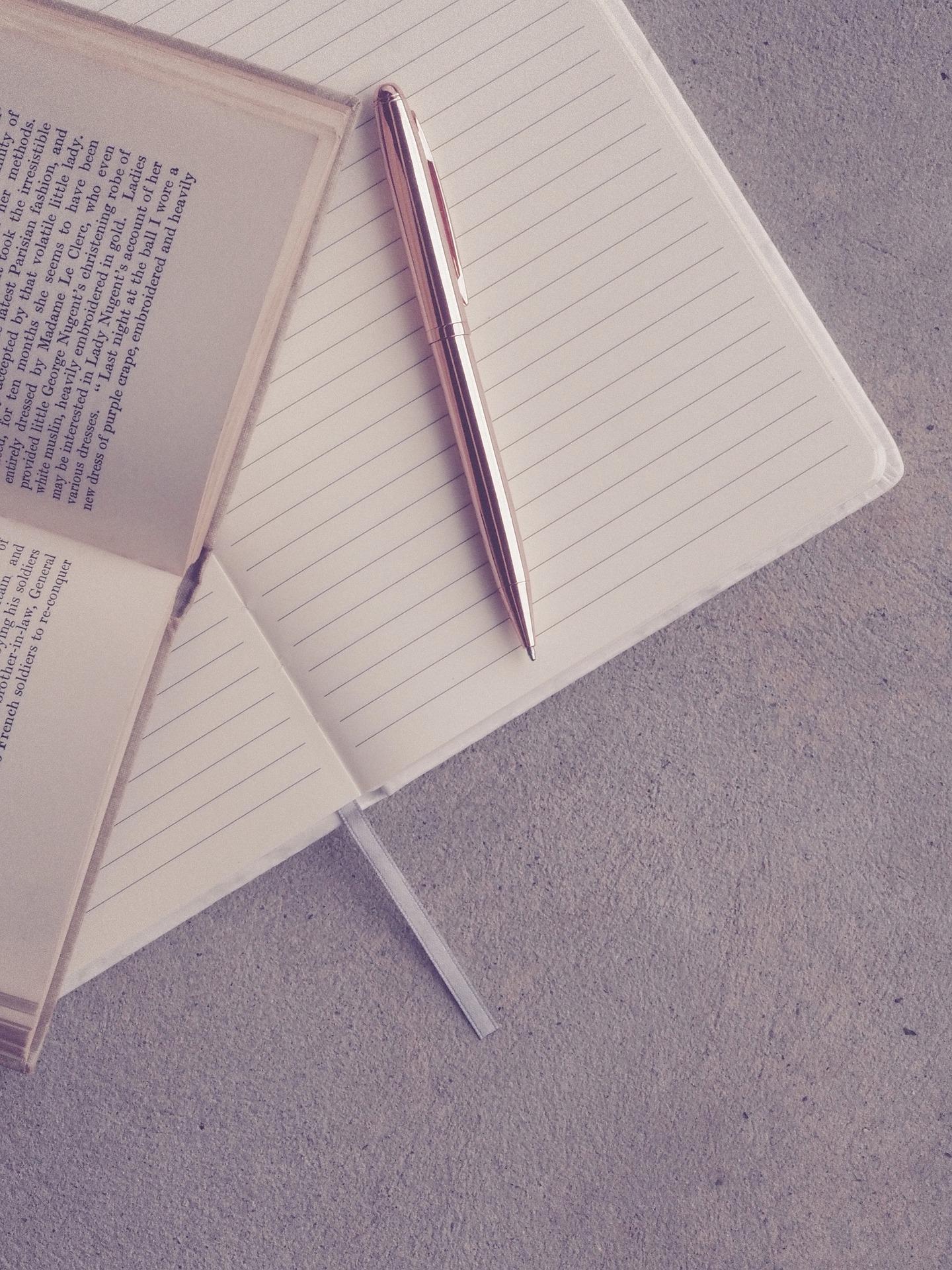 嫌なことを忘れる方法3: 寝る前は、今日よかったことを書き出す