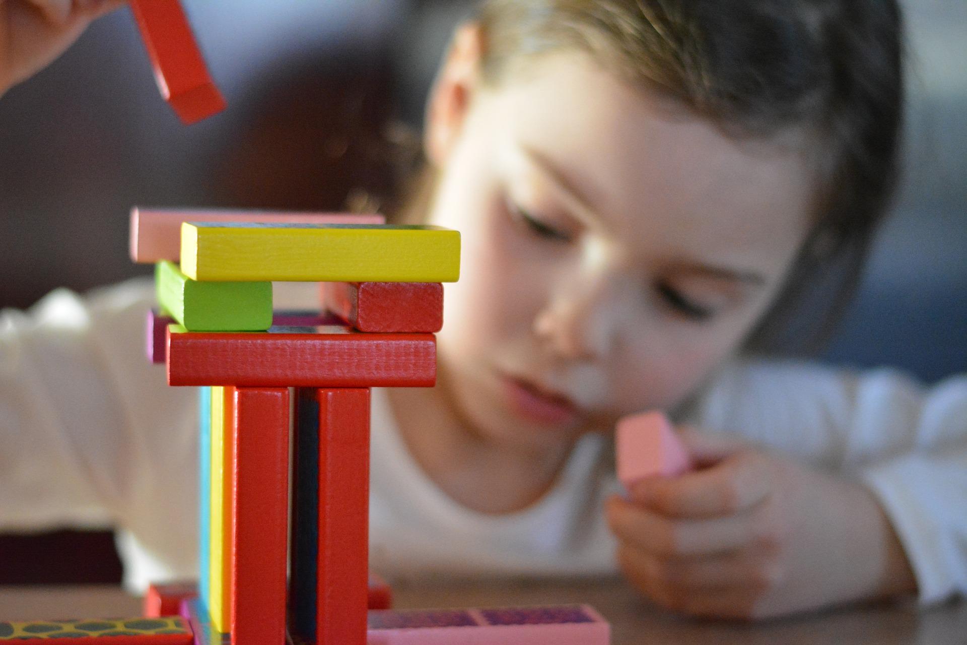 子供向け 知育玩具・ケーキ サブスク