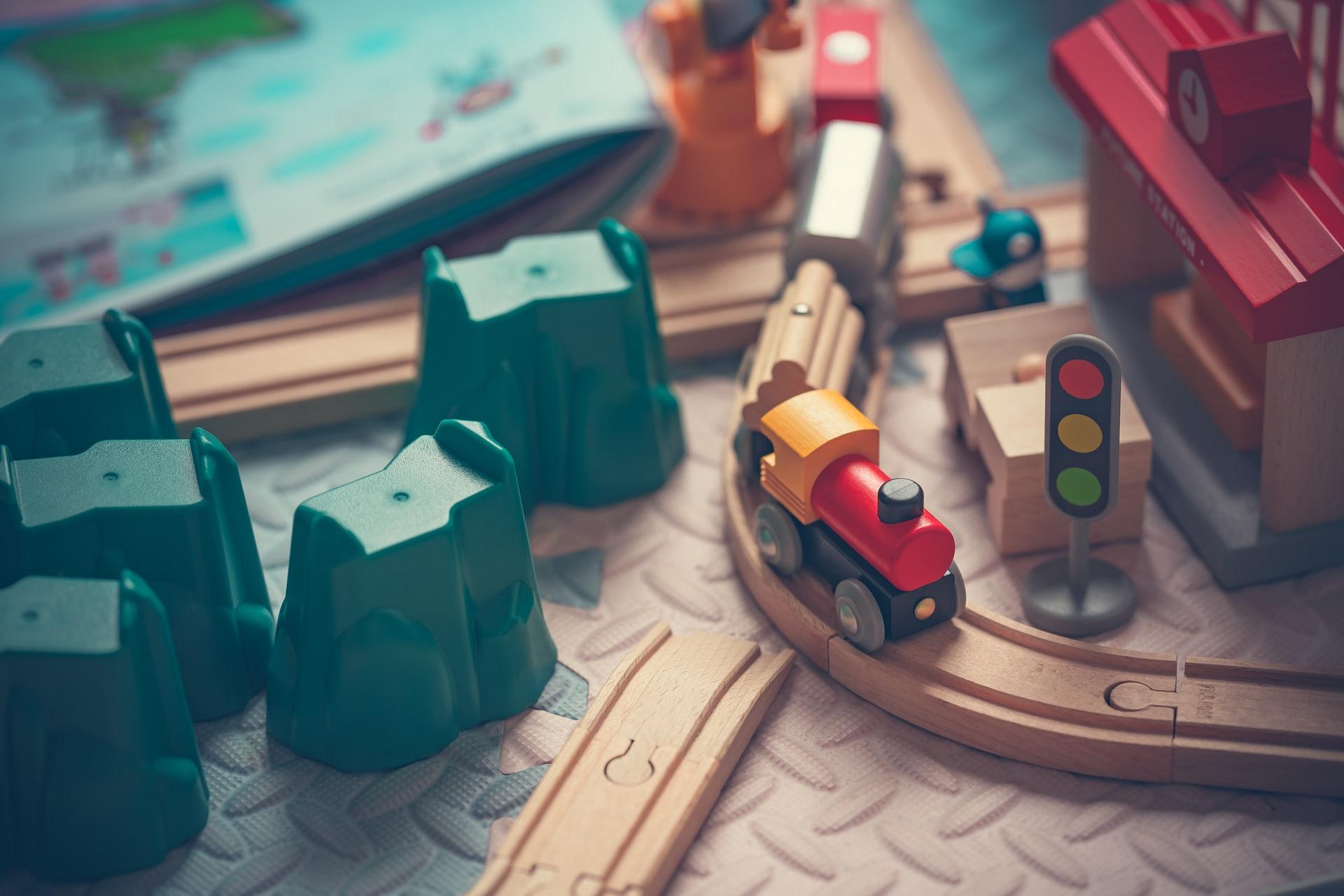 知育玩具・おもちゃのサブスクとは